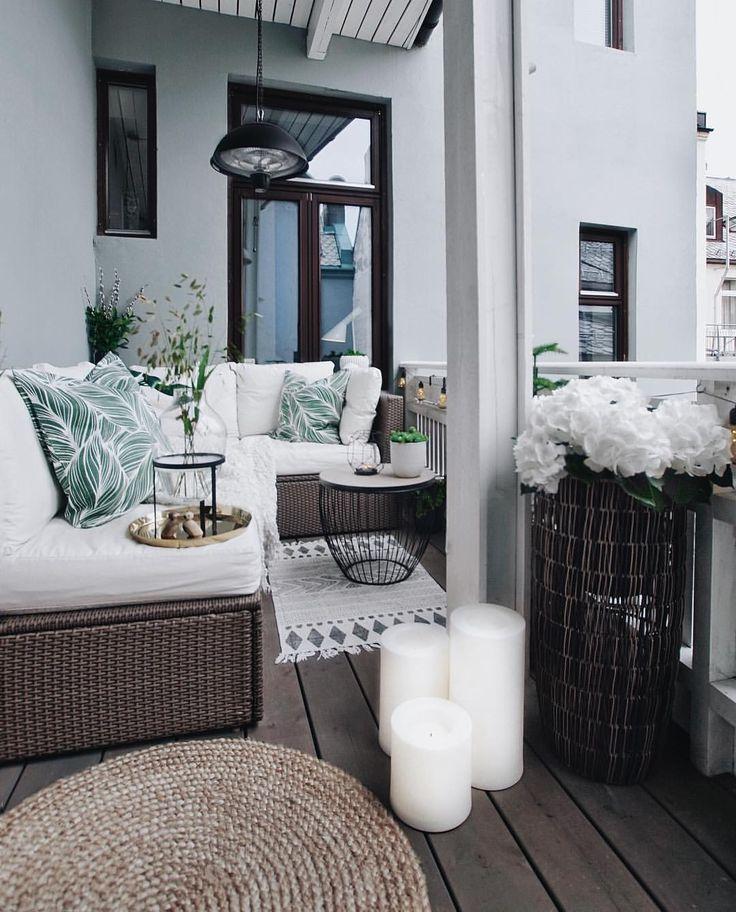 D E U T S T E N Nur wenn sich dieser kleine Außenbereich mitten in der Stadt anfühlt #balkonideen
