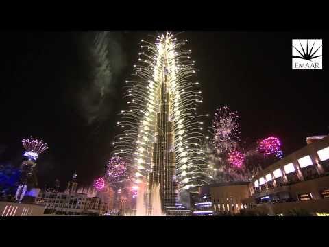 Official Burj Khalifa Downtown Dubai 2014 New Year S Eve Highlights Video Youtube New Year Fireworks Dubai World New Years Eve Fireworks