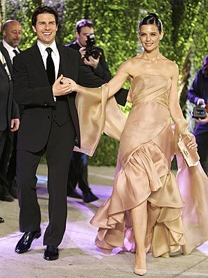 Tom Cruise Katie Holmes Wedding Pics Google Search Celebrity Style Dresses Katie Holmes Style Katie Holmes Red Carpet