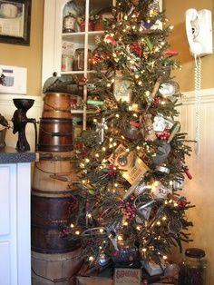 primitive christmas decorating ideas primitive christmas tree baking theme - Pinterest Primitive Christmas Decorating Ideas