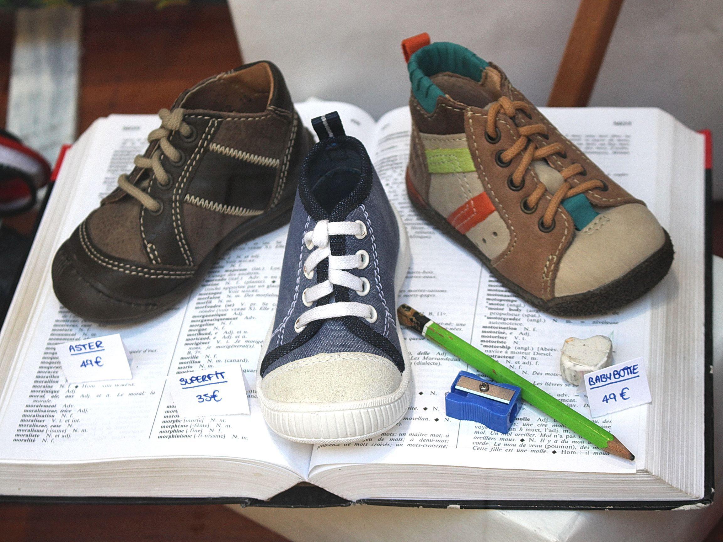 e26d84a32f7 DKS Degriff Kids Shoes  chaussures dégriffées pour  bébé  enfant et  femme  à  grenoble. www.dksgrenoble.com DKS  c est bien fait pour tes pieds !
