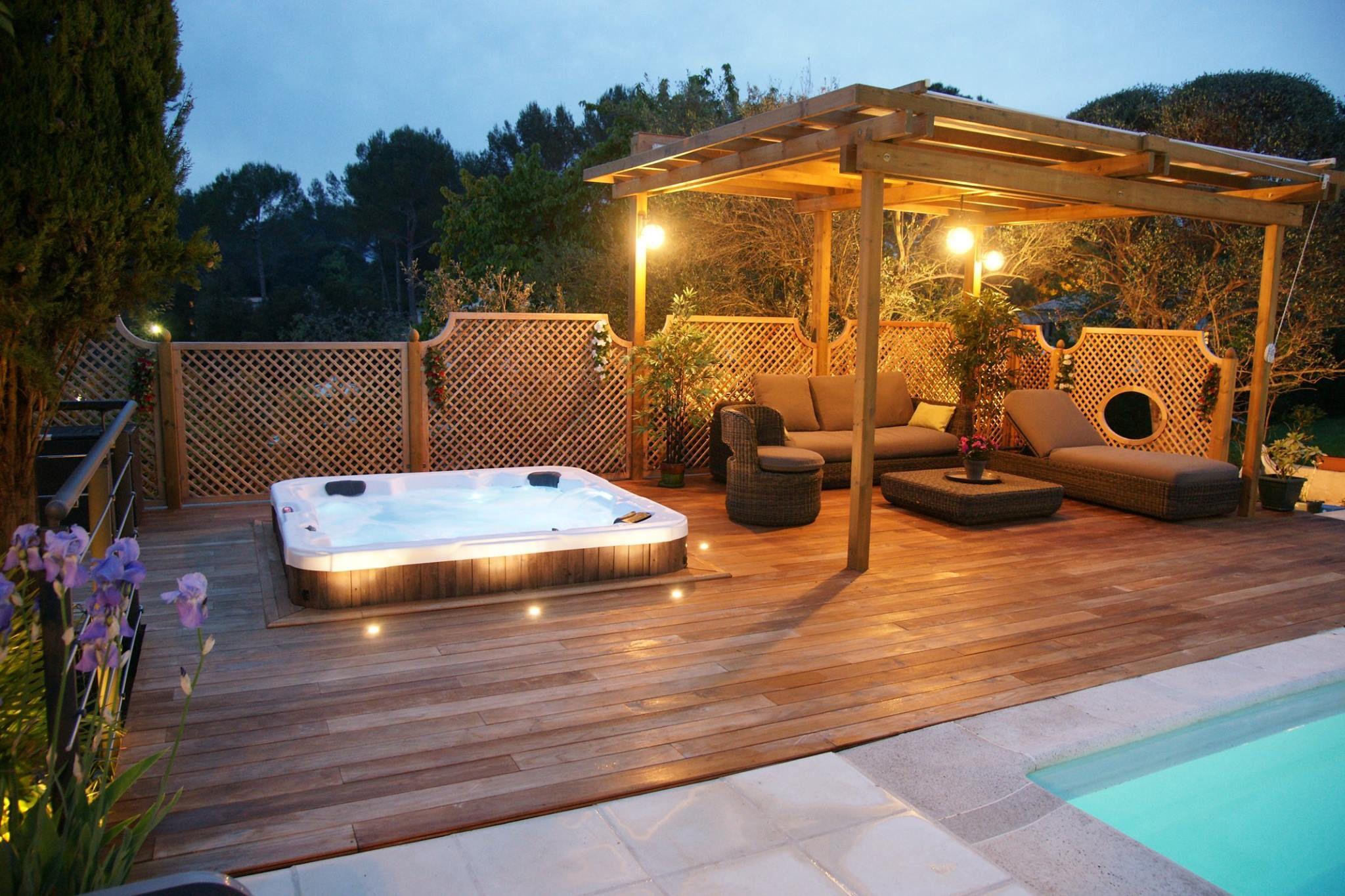 Sunken hot tub on lower deck level? | Sunken hot tub, Hot ...