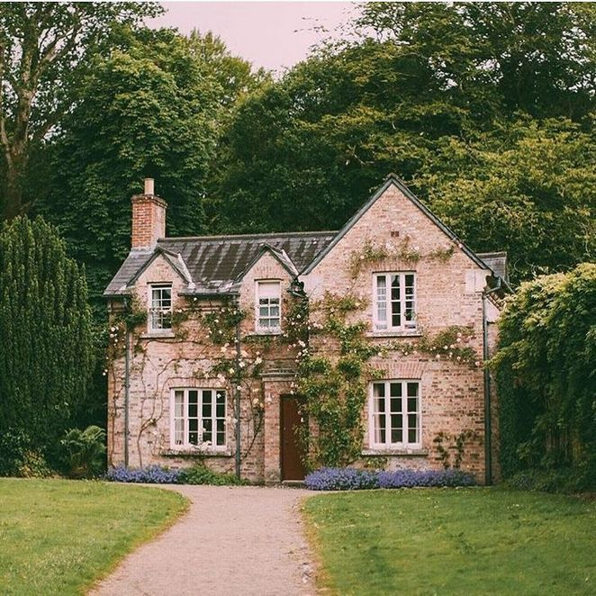 20+ DETAILS OF DREAM HOUSE COUNTRY -  The country is one of a house style which is inspired by a rural house. Their characteristics are i -