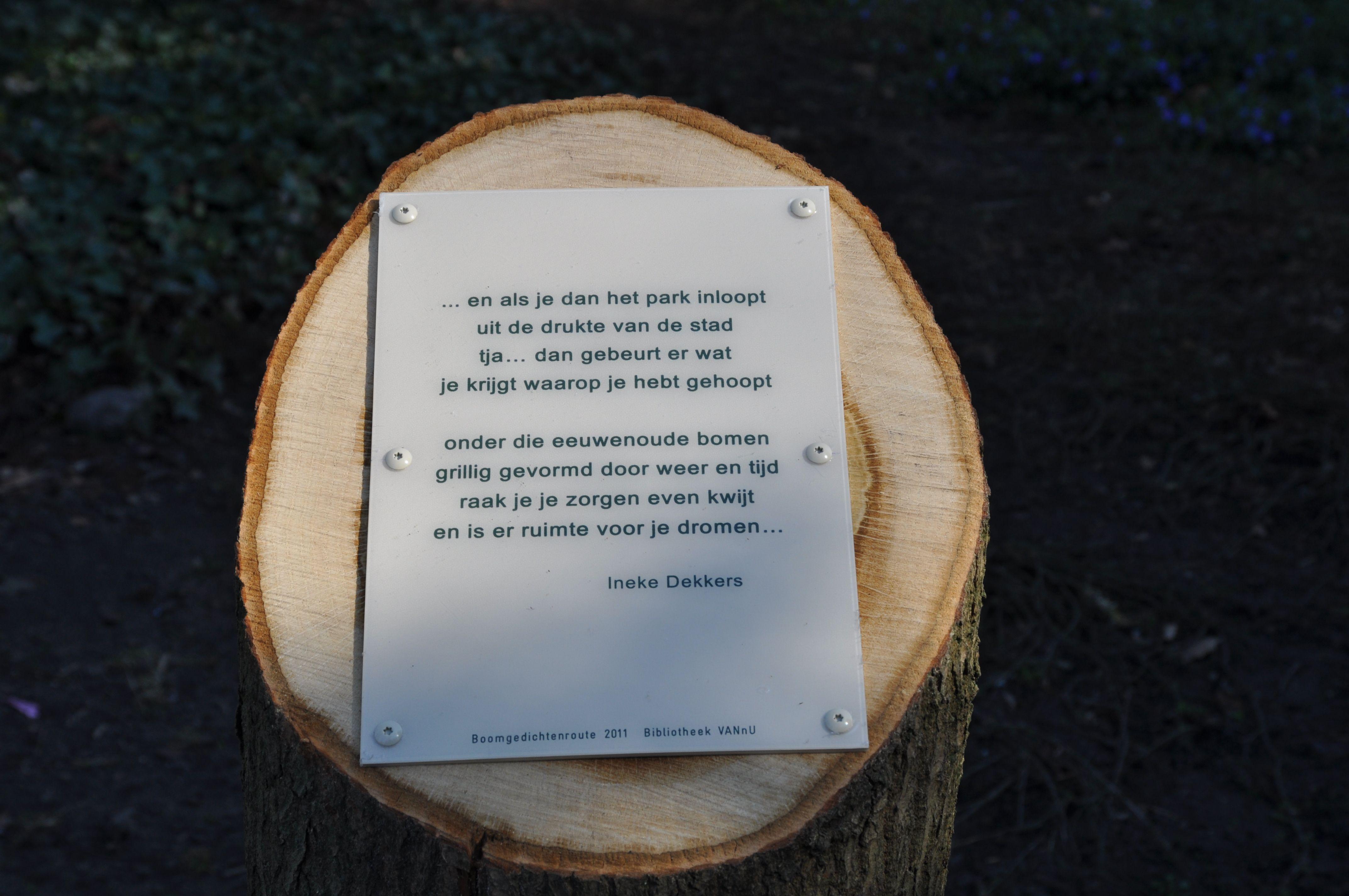 Boomgedichtenroute Emile van Loonpark #roosendaal, gedicht van Ineke Dekkers