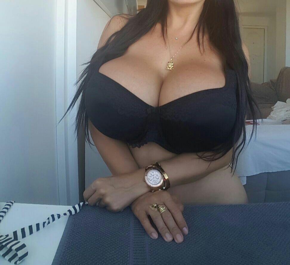 Andrea mucho tits