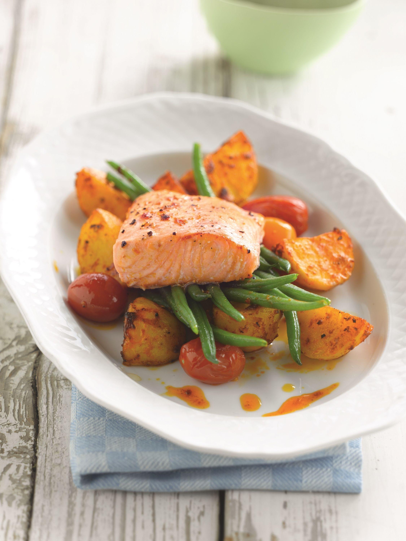 Een overheerlijke aardappelen met harissa en gebakken zalm, die maak je met dit recept. Smakelijk!