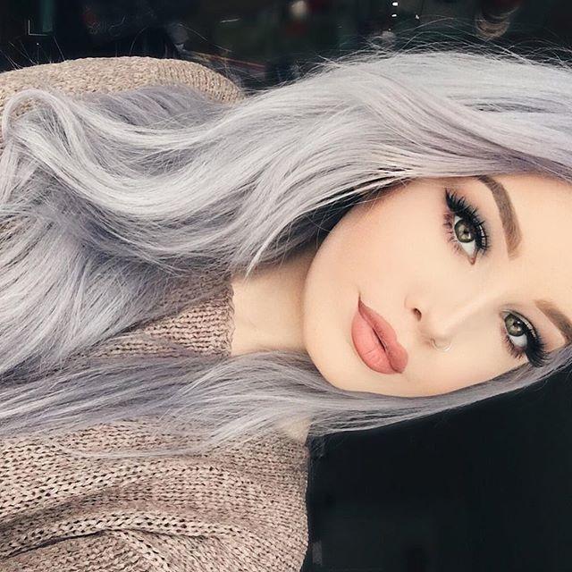 Девушка с пепельными волосами картинка