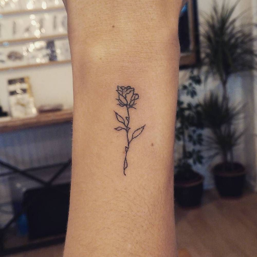 A Beautifully Simple Rose Outline For Amy Tatuajes Tattoos