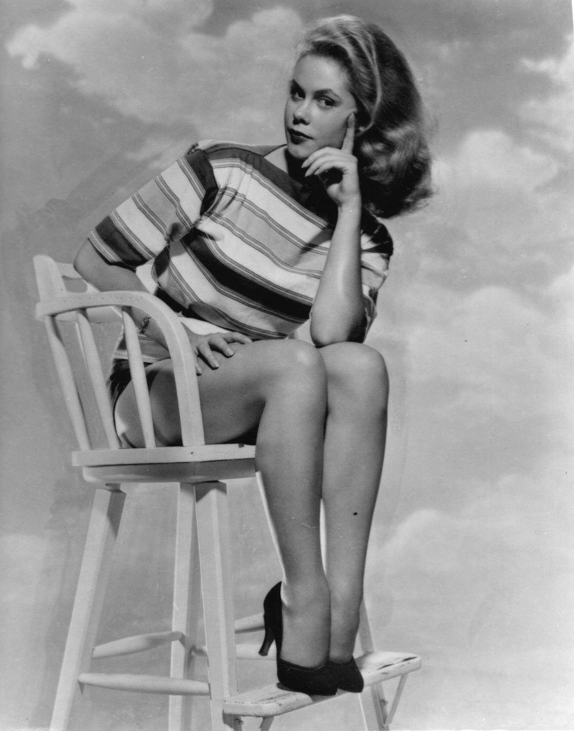picture Elizabeth Montgomery