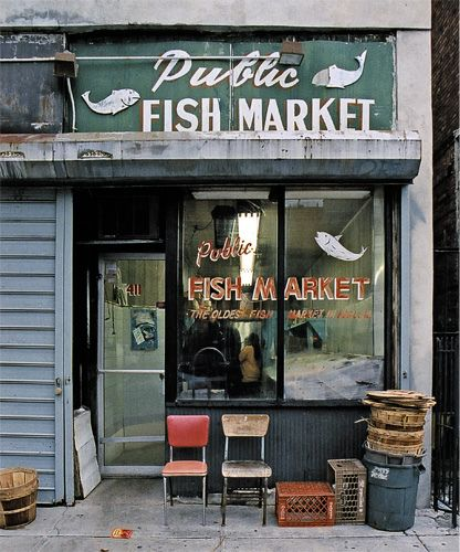 Store front the disappearing face of new york public for Fish market nyc