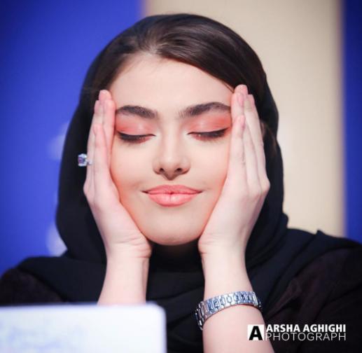 عکس جدید از ریحانه پارسا و مهدی سلطانی در جشن حافظ Iranian Women Fashion Iranian Women Persian Girls