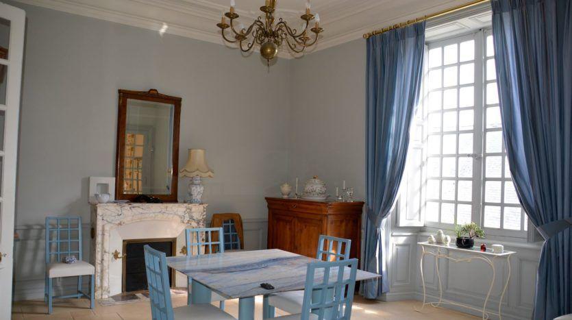 7 Thouars Vente Hotel Particulier 15e Et 17e Siecles En Ville Manoir A Vendre Hotel Particulier Chateau A Vendre