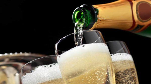 Datas festivas e ocasiões importantes pedem um brinde em grande estilo - é o grande momento do champagne, do espumante, do prosecco e do frisante. Saiba a seguir qual escolher e como servir. Vinhos borbulhantes podem ser facilmente confundidos....