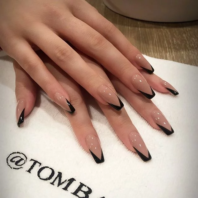 9 Stunning Modern French Manicure Ideas Stylish Belles In 2020 French Tip Nail Designs White Tip Acrylic Nails Glitter French Nails
