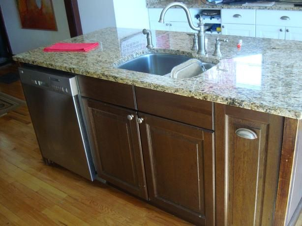 Kitchen Island With Dishwasher Have A Like New Granite Kitchen