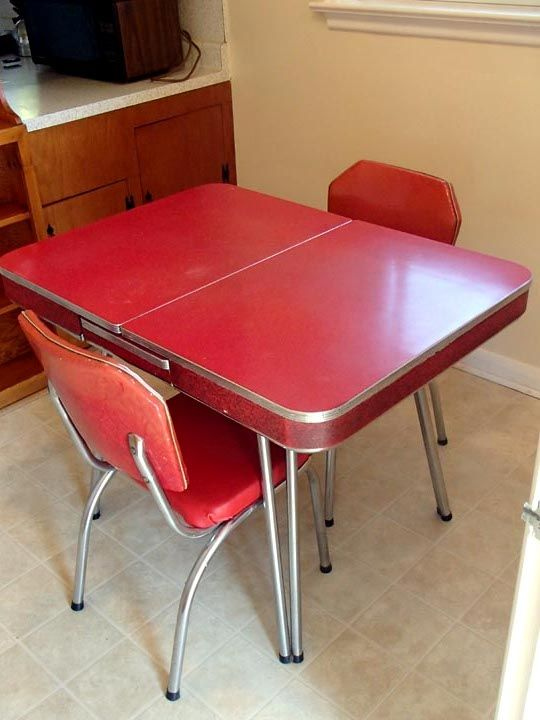 77 Gaiety Drive Estate Sale Scarborough On Retro Kitchen Tables Dinette Sets Retro Diner