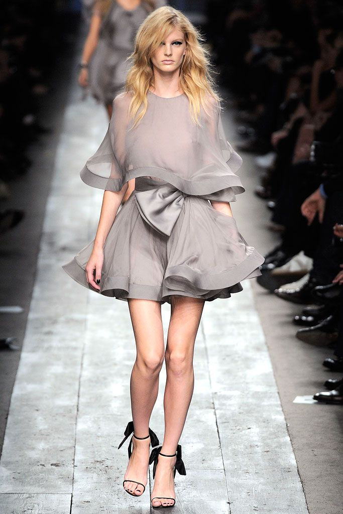 Valentino Spring 2010 RTW - Runway Photos - Collections - Vogue