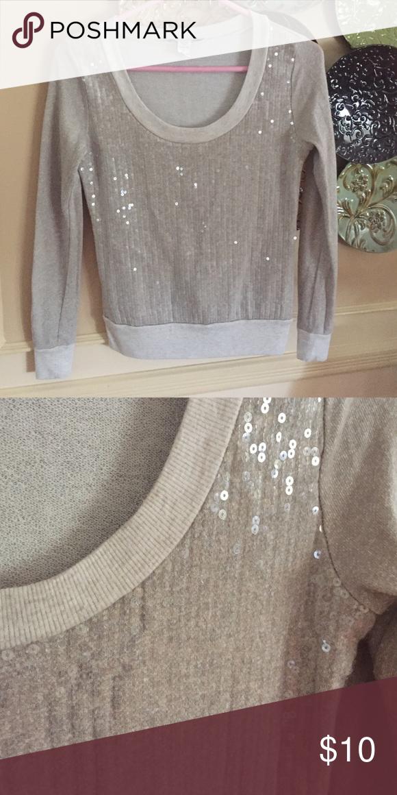 Sequin sweater Great condition American Rag Sweaters Crew & Scoop Necks