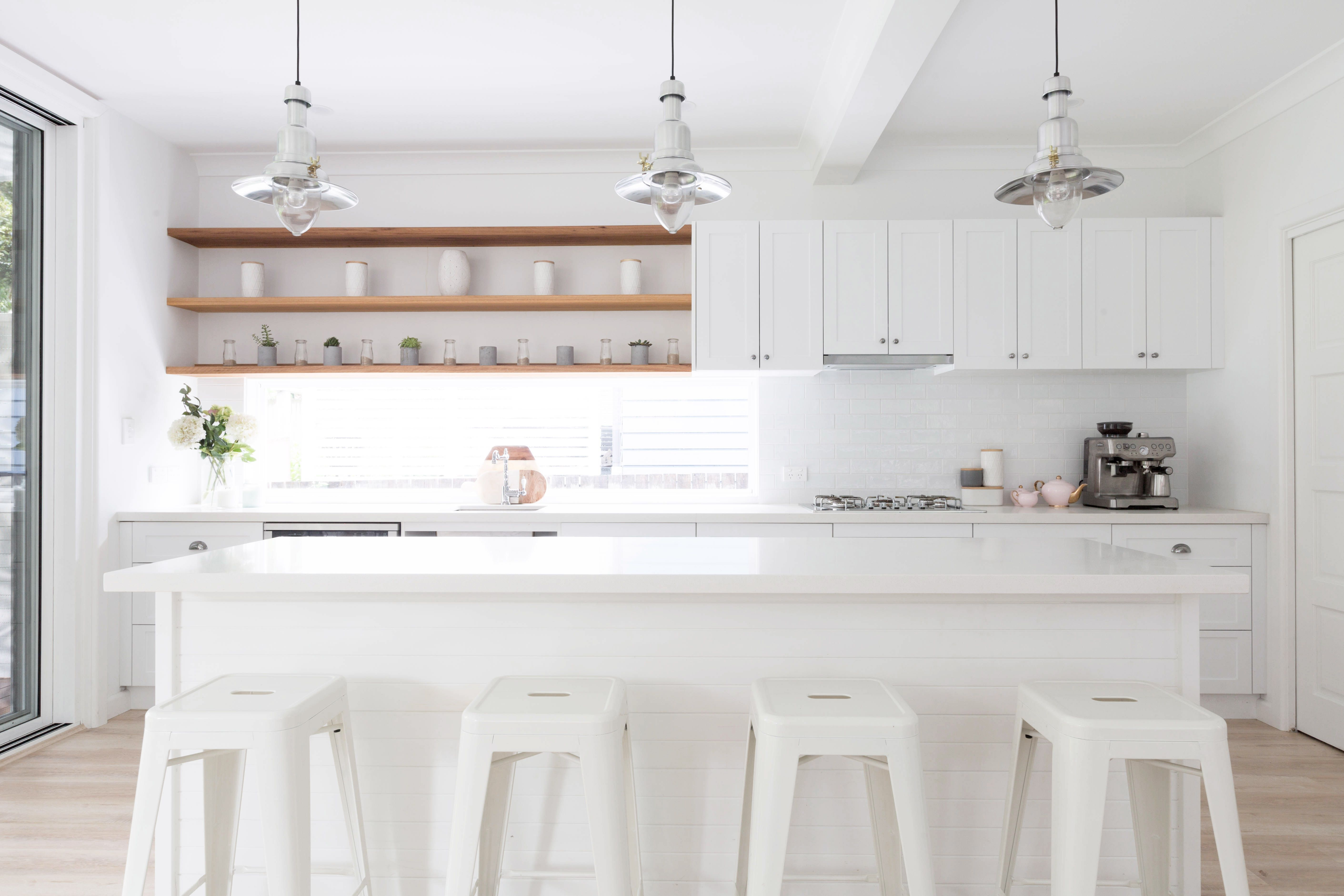Coastal inspired cottage renovation by Baikie Corr. White hamptons ...