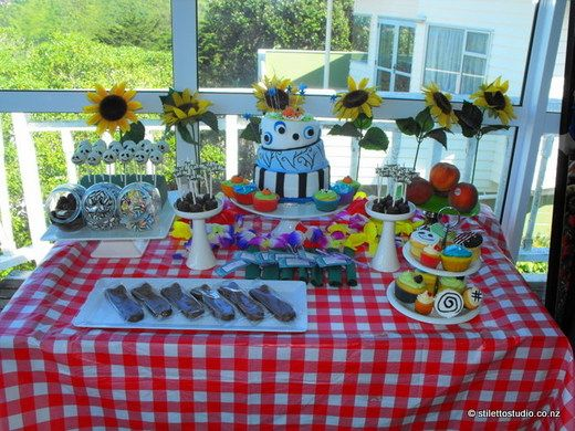 Tim Burton inspired dessert table. Love it mostly for the Jack Skellington cake pops and the lopsided Burton cake.