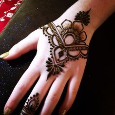 Very Easy Mehndi Designs For Kids Valoblogi Com