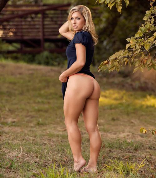 Girl Nude blonde muscle
