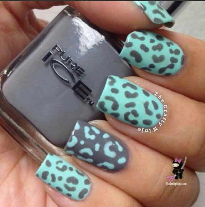 Leopard nails blue and grey