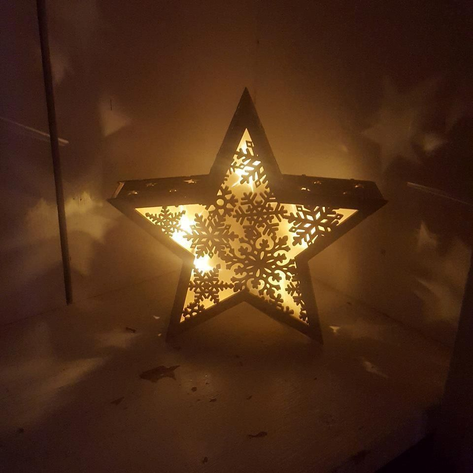 Wooden Light Up Christmas Star With Cut Out Snowflakes Free Standing