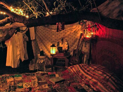 Cool for like an outdoor bedroom during the summer:)