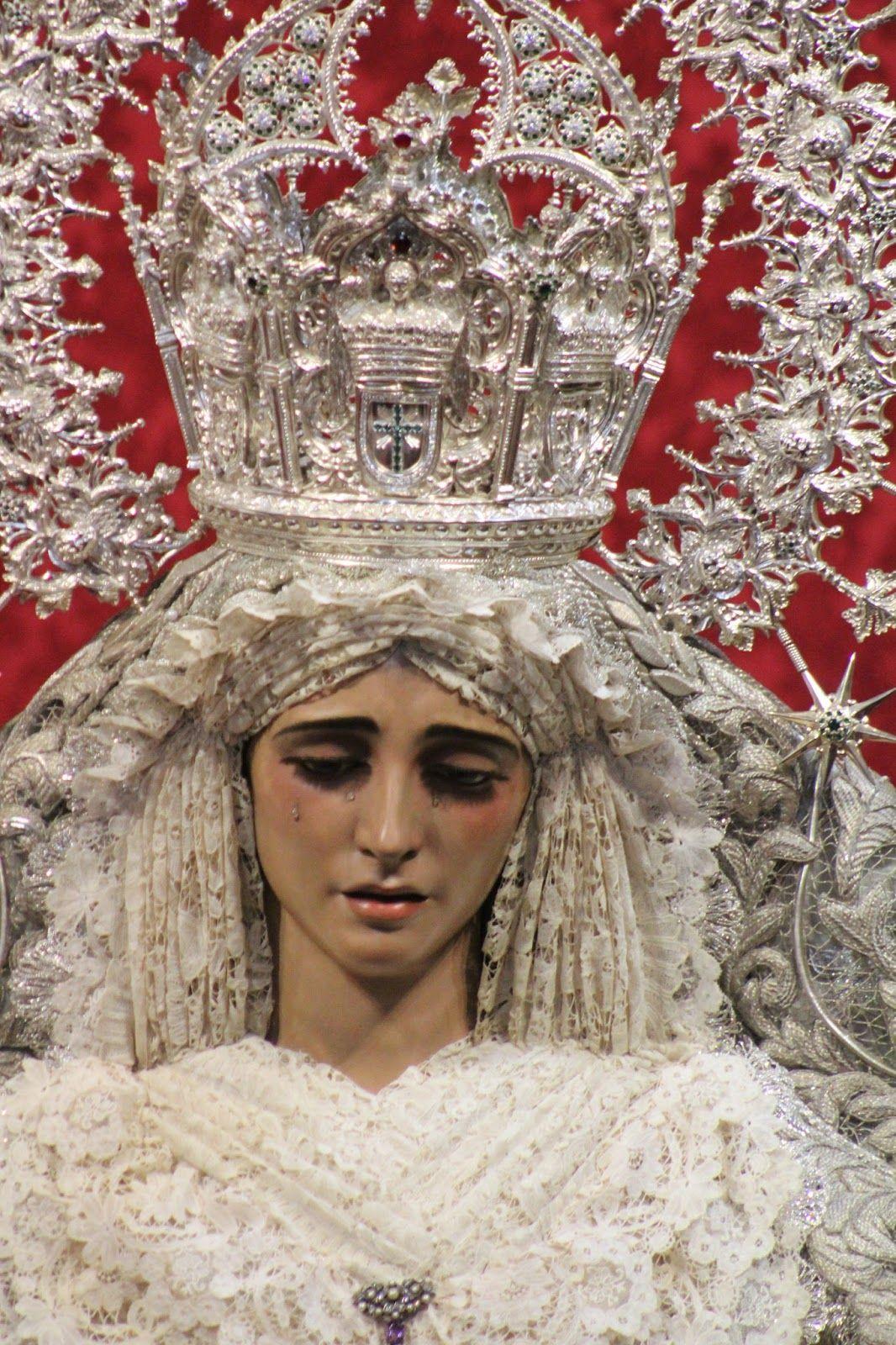 Nuestra Señora de la PAZ  Primera Cofradía de la que tengo RECUERDO. Seguro que muchos deseamos qué su nombre,¡PAZ! sea el que impere en TODO EL MUNDO. 💖🌹