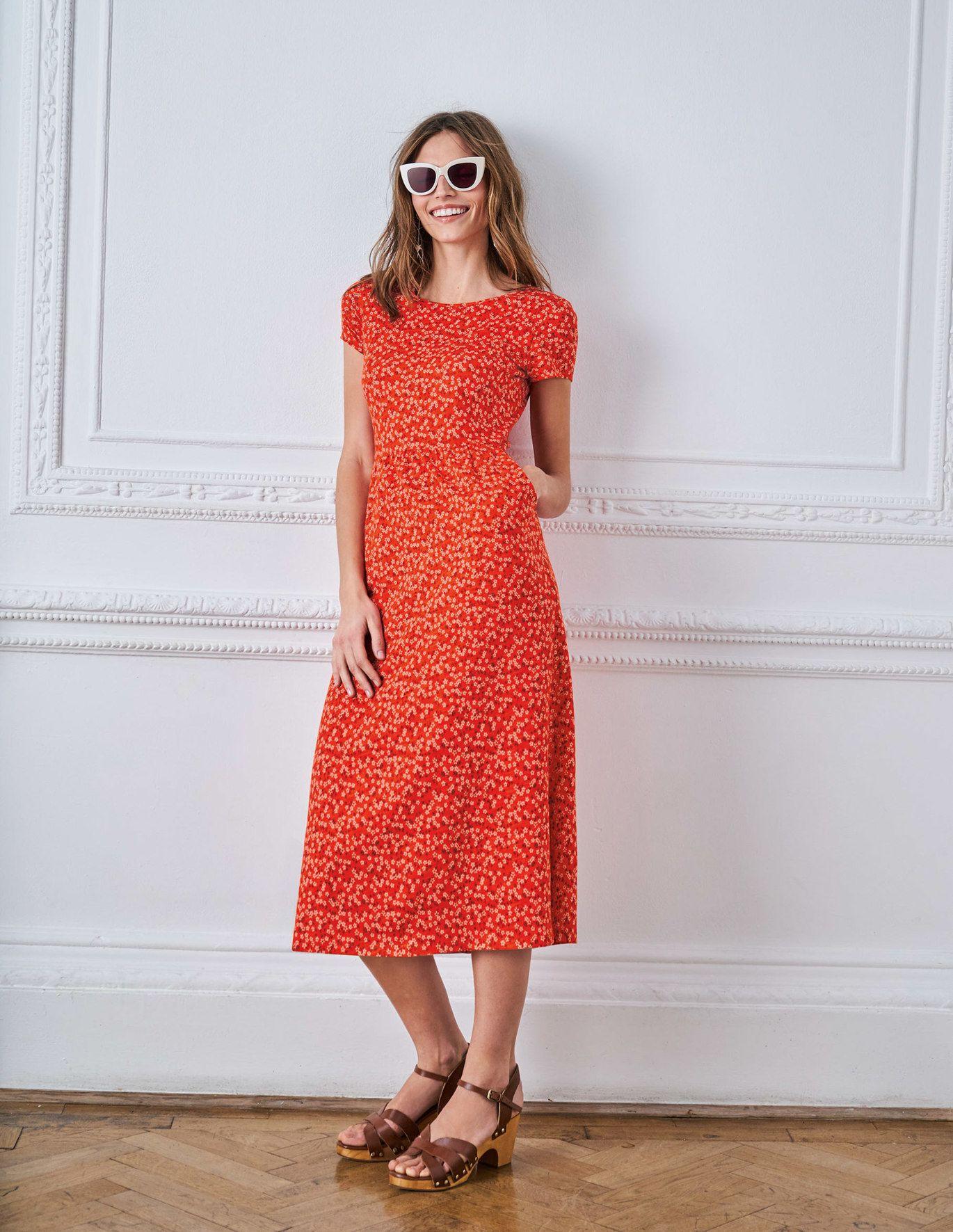 Nicola Jersey Midi Dress Red Pop Daisy Sprig Red Midi Dress Midi Dress Red Dress [ 1771 x 1370 Pixel ]