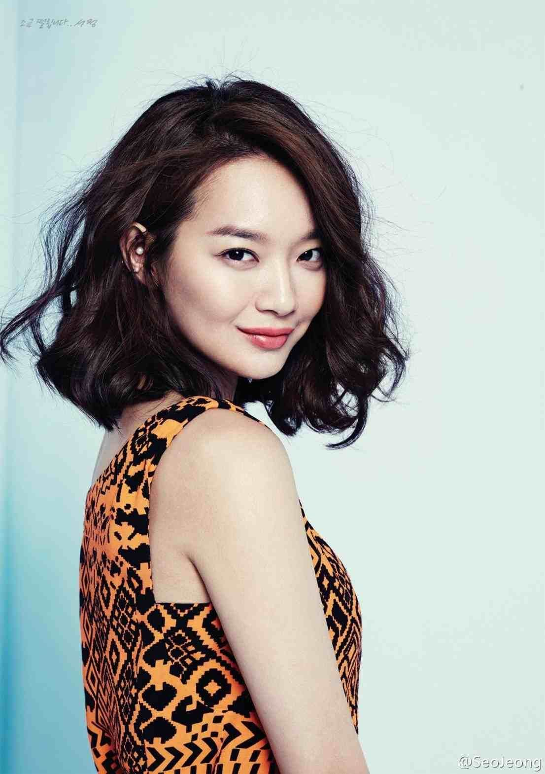 Korean Curly Hairstyles Mid Length Asian Men With Round Face Medium Shoulder Length Wavy Wedding Korean Short C Asian Short Hair Hair Styles Medium Hair Styles