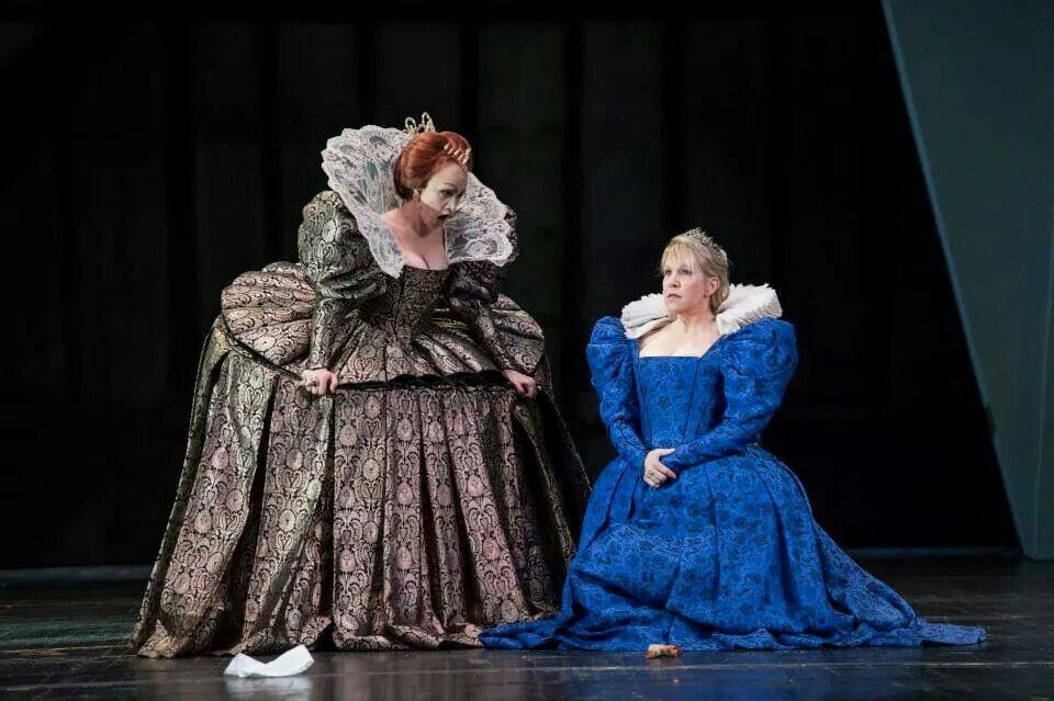 Carmen Giannattasio and Joyce DiDonato in Maria Stuarda Royal Opera House
