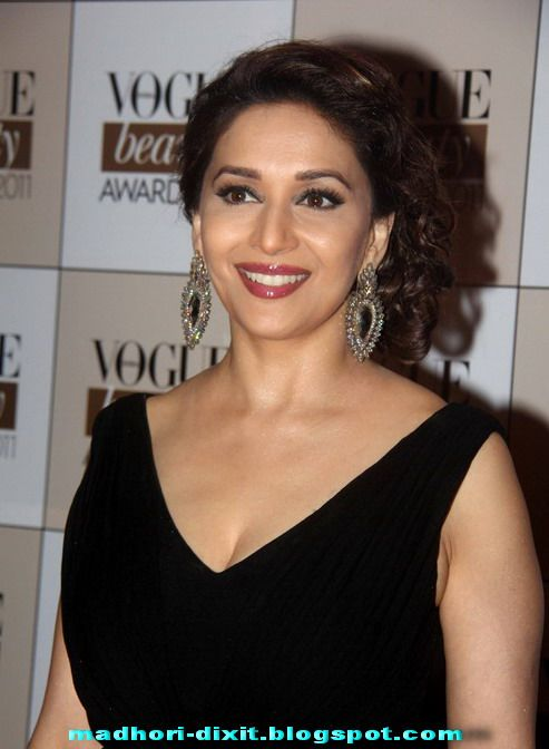 Madhuri dixit hot boobs