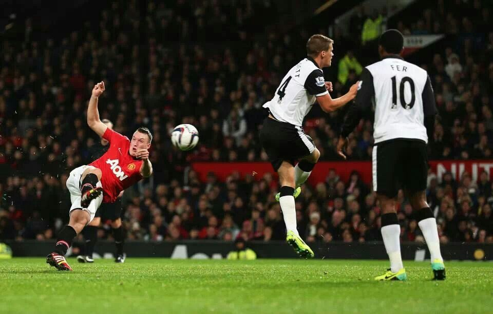 Phil Jones Scores An Amazing Goal Against Norwich City In Capital One Cup Man Utd News Manchester United Soccer Events