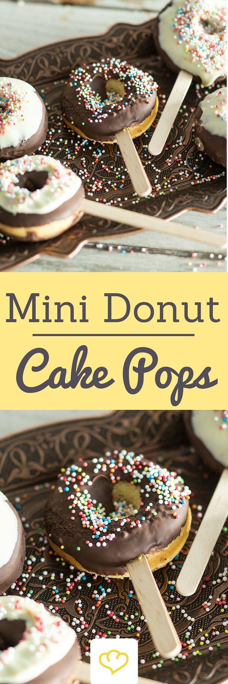 kleine donut cake pops selber machen rezept party kuchen backen und einfacher nachtisch. Black Bedroom Furniture Sets. Home Design Ideas