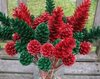 Tannenzapfen-Blumenauswahl, Tannenzapfen-Blumen. Rot oder grün oder gemischt, 1 Dutzend. Wint... #pineconeflowers