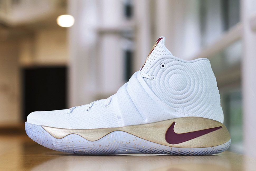 buy popular 1d11d 80976 Kyrie Irving's NBA Finals Game 3 Nike KYRIE 2 PE ...