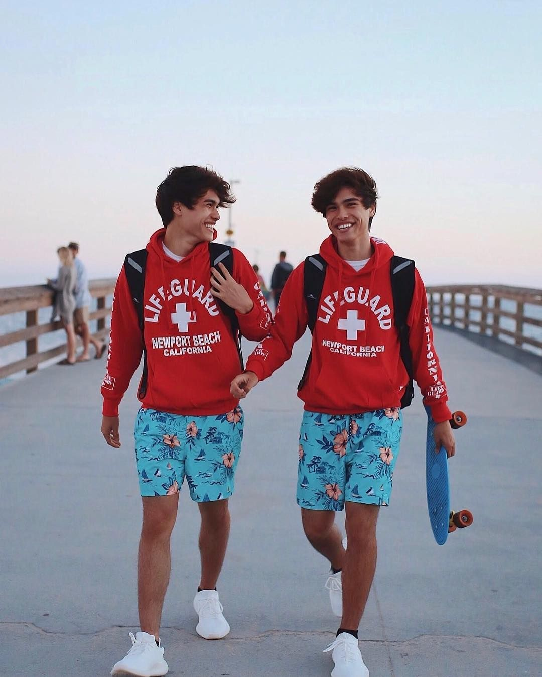311 7k Likes 3 345 Comments Froy On Instagram Soccer Players Or Boy Band Members The World Will Never Kno Boy Celebrities Celebrity Twins Beautiful Boys