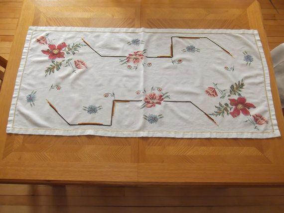 Vintage Floral Dresser Scarf or Table Runner by #PaulasVintageAttic, $6.99  #VintageLinens #VintageDresserScarf #VintageTableRunner