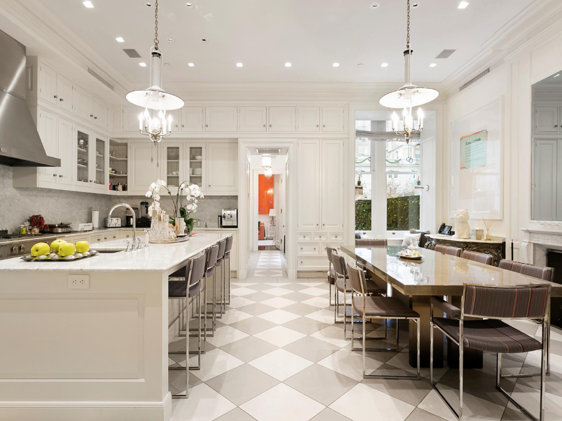 Nobody Wants To Buy This 795 Million Upper East Side Mansion That Costs 240000 A Year In Taxes