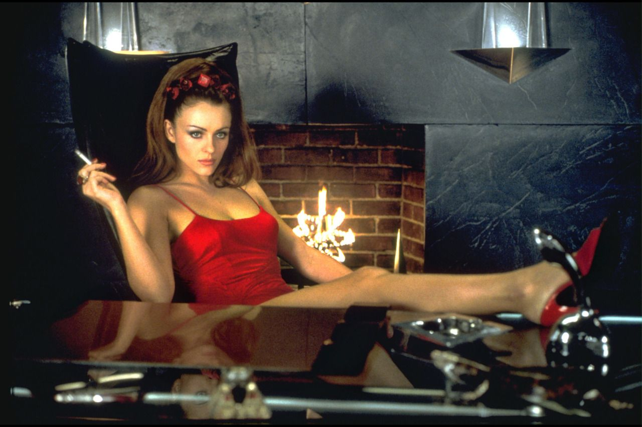 Adult gallery elizabeth hurley pussy shown in bedazzled