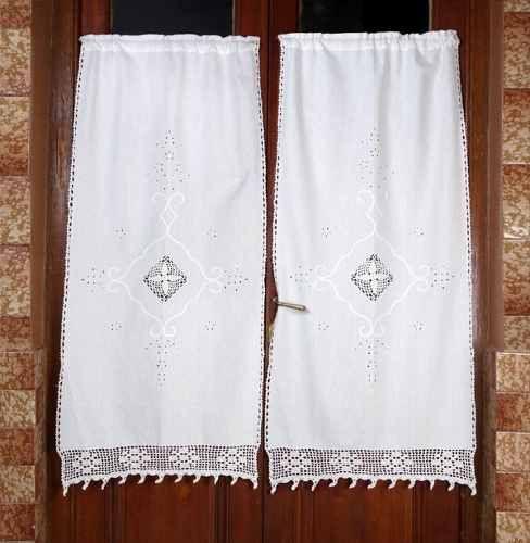 Manteles y cortinas de tela y crochet buscar con google for Visillos para banos