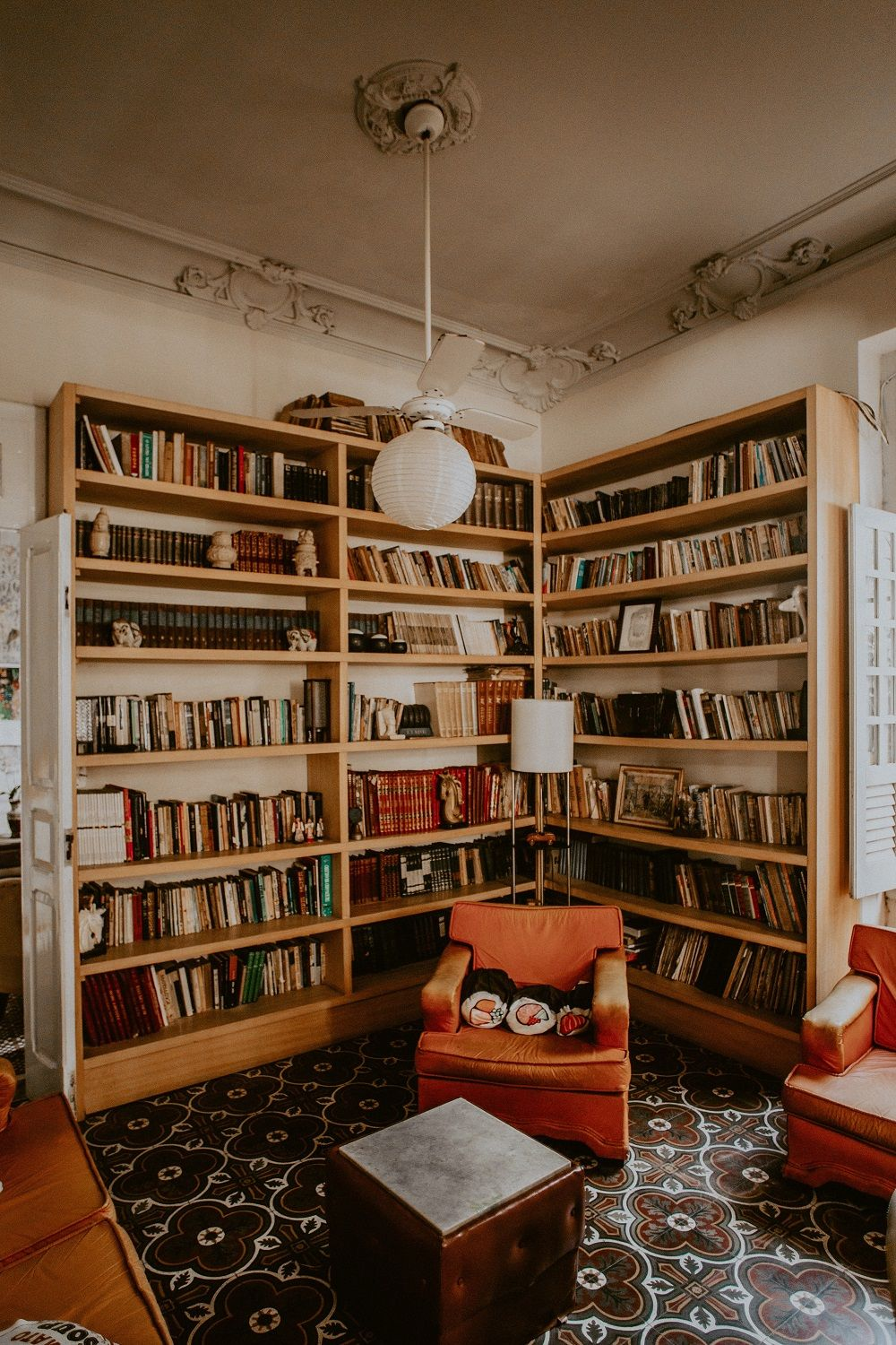 Smart Home Library Design Ideas for Your Home   Diy apartment ...