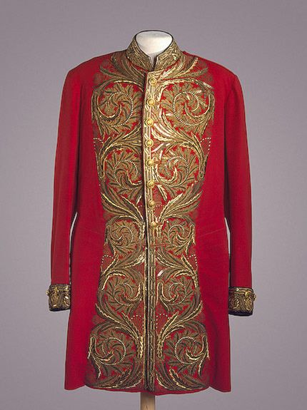 Senator's Ceremonial Uniform, St Petersburg, Russia. Late 19th - early 20th century. Cloth, silk, metal thread, metal and spangles; embroidered and gilded. L. 98 cm.