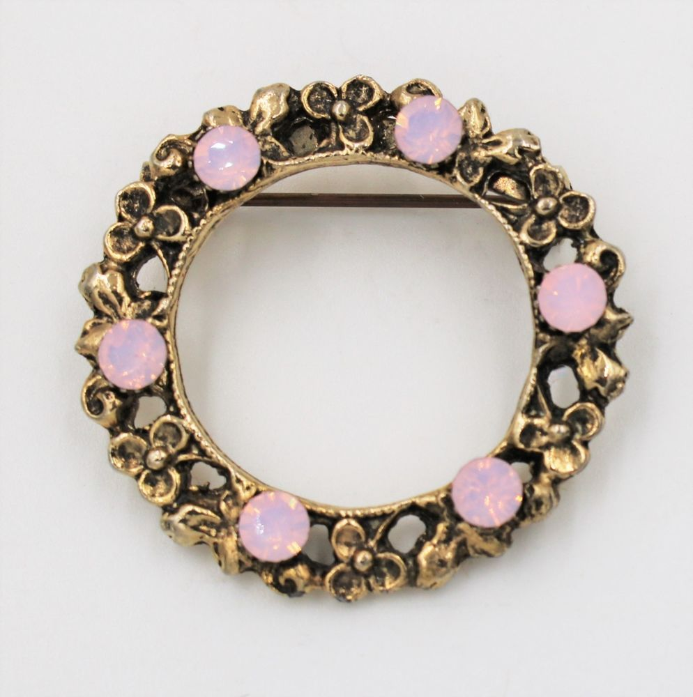 312967532344b Vintage Circle Rose Pink Rhinestone Gold Plated Brooch Made with ...