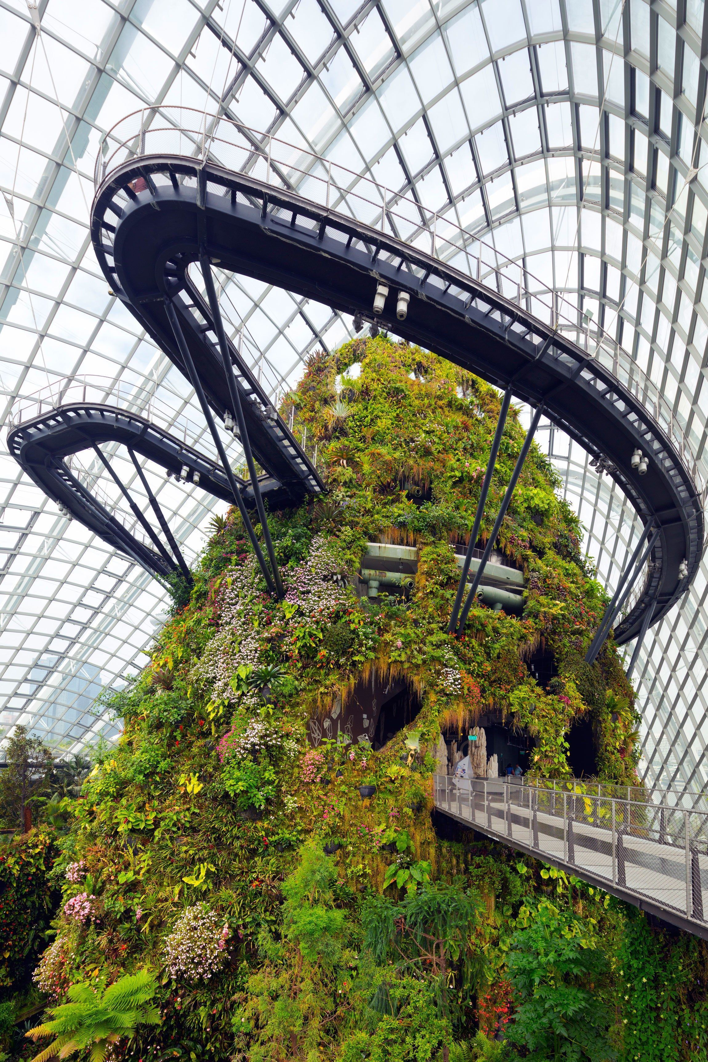 10 Stunning Greenhouse Conservatories Around The World Photos Architectural Conservatorygreenhouse Greenhouse Farming Singapore Garden Gardens By The Bay