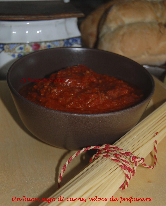 Un buon sugo di carne, veloce da farePer chi ha poco tempo, e magari anche poca voglia di cucinare, ma vorrebbe lo stesso il ragu. Non comprate quelli pronti!!!!!