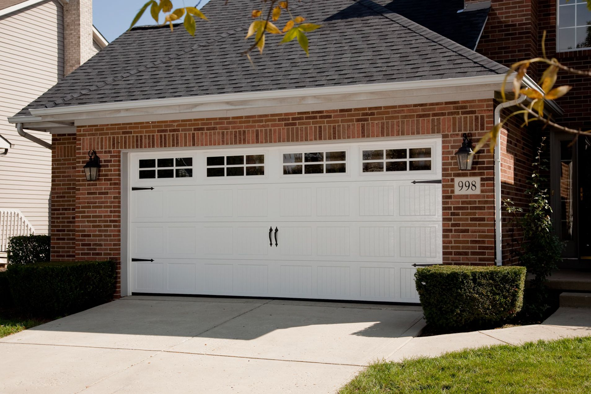 Carriage double garage door - Here Is The Windermere Door On A House With Our Colouring Althought It Is A Carriage Style Garage Doorscarriage Doorsdouble