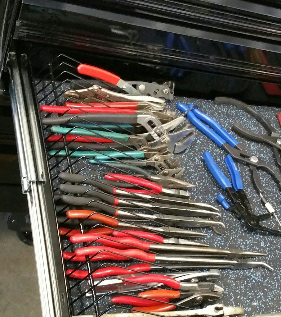 Diy Plier Rack With Home Depot Wire Shelving Very Inexpensive Way To Sort Out Your Pliers Wire Shelving Jewellers Bench Tool Box